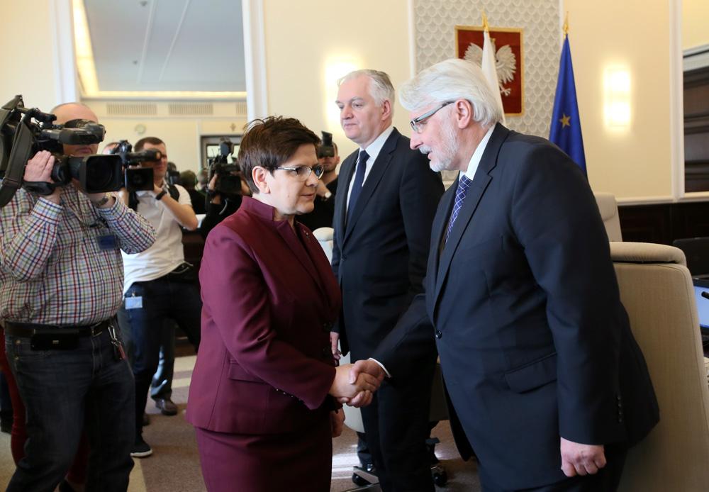 Bolszewickie trzęsienie ziemi w dyplomacji