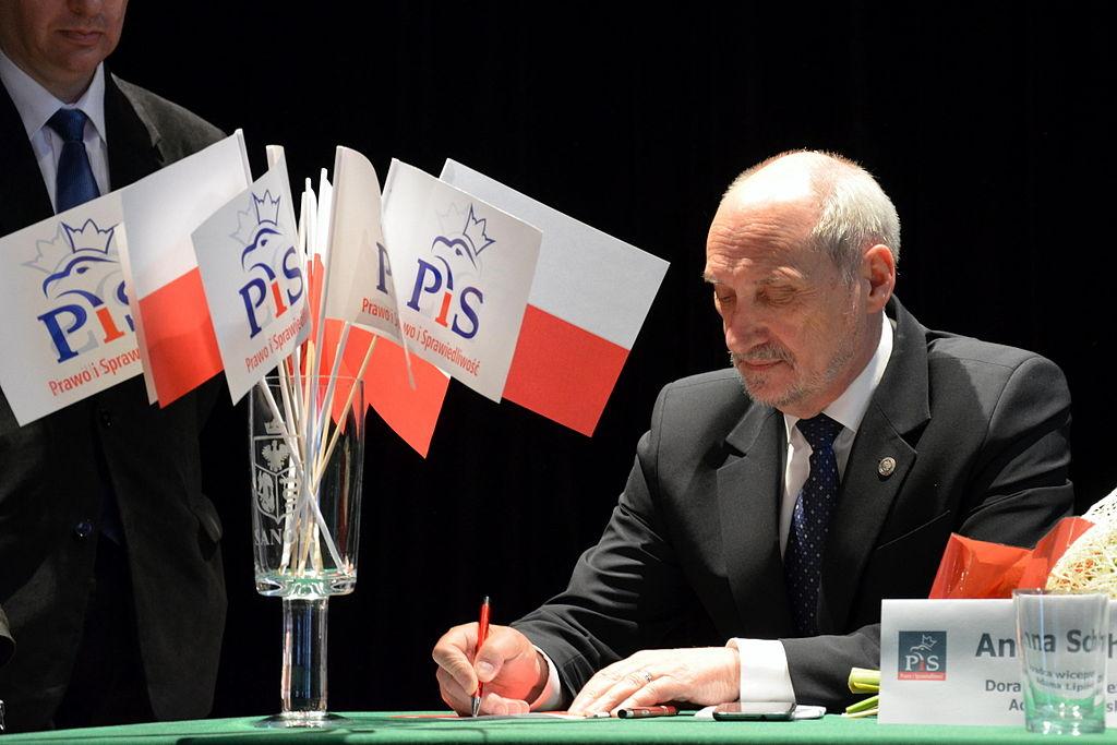 Gen. Piotr Pytel: Obecne rządy to plaga