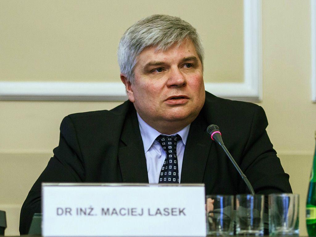 Maciej Lasek: Bzdurne pomysły mają wyznawców