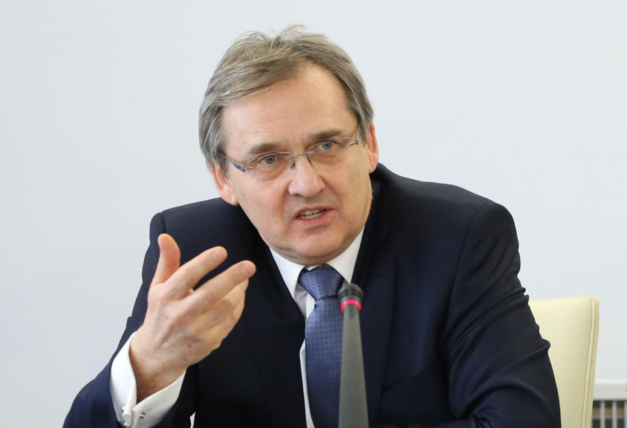 Hamankiewicz: Popieramy głodówkę rezydentów. Wzięli sprawy w swoje ręce
