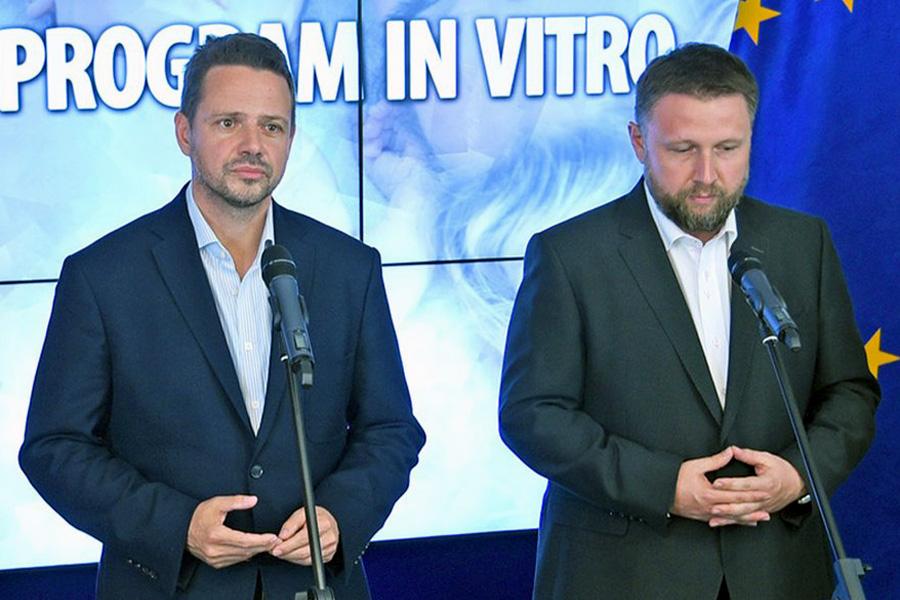 Trzaskowski: Program in vitro będzie rozwijany
