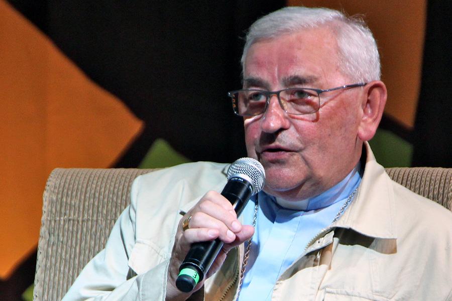 Bp Tadeusz Pieronek: PiS przy pomocy przekupstwa zaprowadza dyktaturę